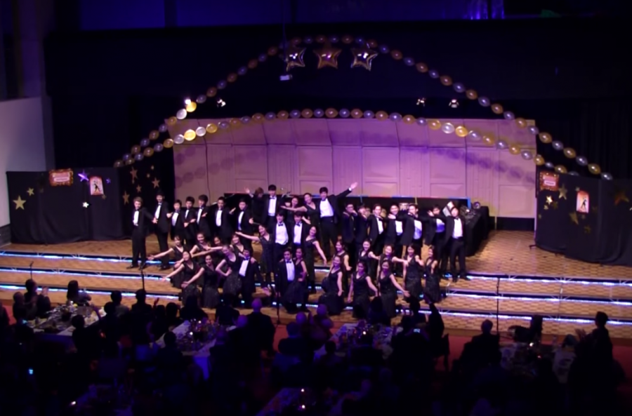 The International Show Choir performs at the annual St. Mary's ISCA Dinner Show